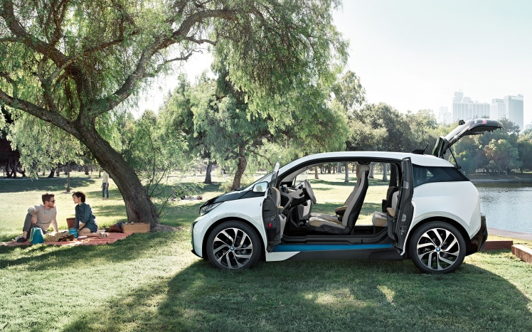 -content-dam-bmw-common-all-models-i-series-i3-2016-images-videos-BMWi-i3-OPC-images-videos-image-1920x1200-14