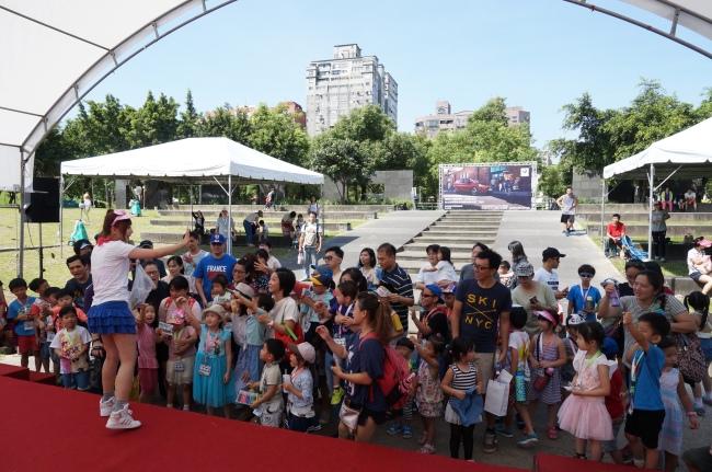 BMW 台北 依德 2017 兒童交通安全 體驗營 園遊會 活動 主持人 熱情 中和 永和 四號公園