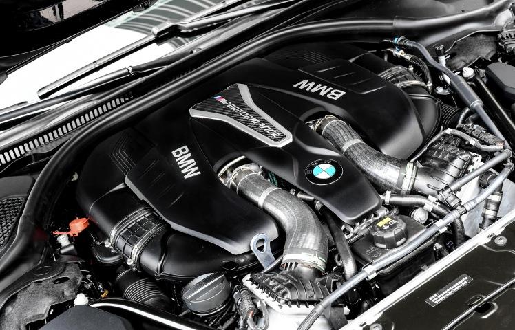 [新聞照片八] 全新BMW M550i xDrive搭載BMW M Performance TwinPower Turbo V型八缸汽油引擎
