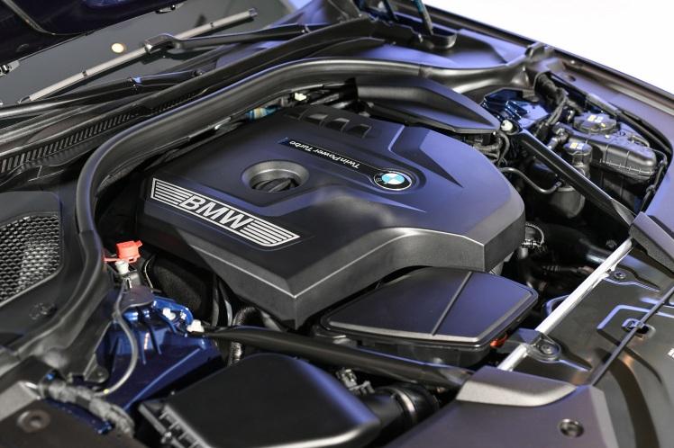 [新聞照片七] BMW 530i Touring M Sport搭載TwinPower Turbo汽油直列4汽缸引擎